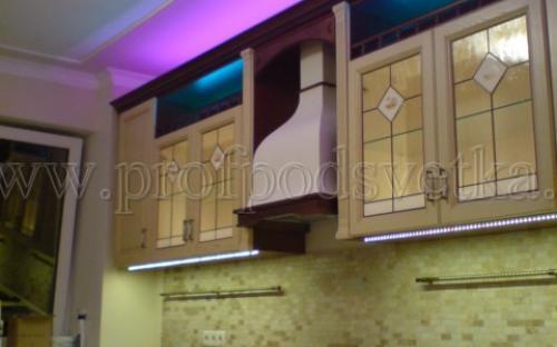 Подсветка кухни светодиодами RGB