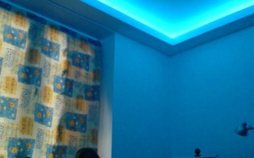 неоновая подсветка потолка